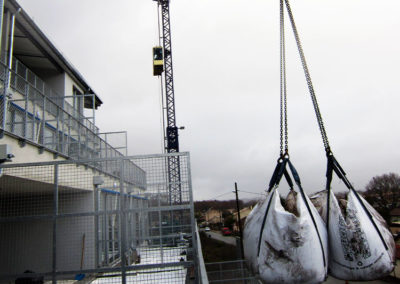Grutage sur le chantier «Les Hauts Plateaux» à Bègles (33)