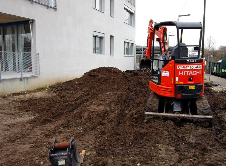 pelle chantier les hautes plateaux terrassement technivert