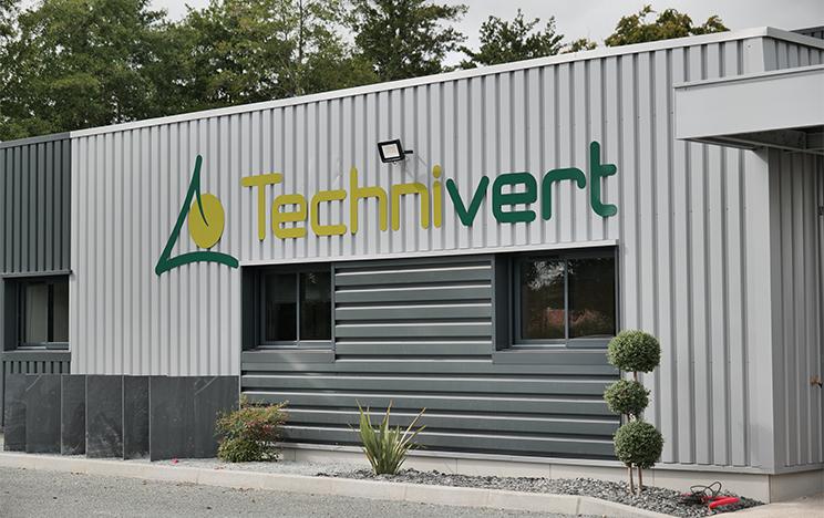 Enseigne des nouveaux locaux de TECHNIVERT